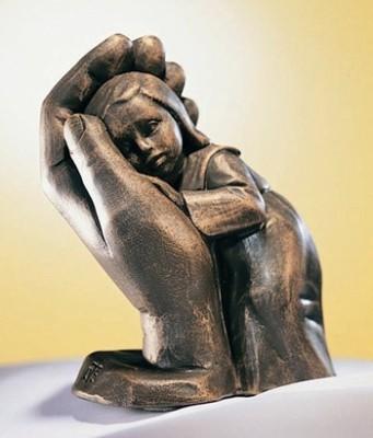 Bleib sein Kind - Bronzefarbener Steinguss - 10 cm