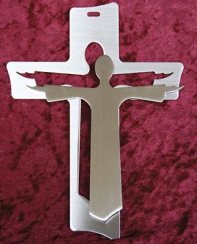 Wandkreuz mit Jesus davor